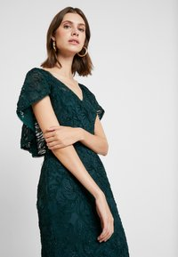 Adrianna Papell - SOUTACHE CAPE GOWN - Occasion wear - dusty emerald - 4
