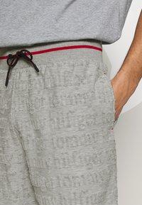 Tommy Hilfiger - SHORT LOGO - Bas de pyjama - grey - 4