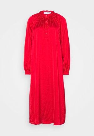 SLFHARMONY DRESS - Košilové šaty - true red
