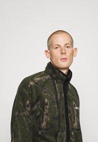 Carhartt WIP - BEAUFORT JACKET - Fleece jacket - tree green/grey - 3