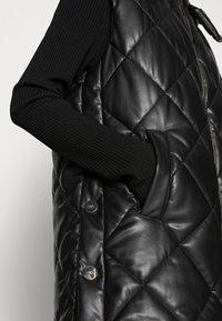 Liu Jo Jeans - GILET NAVETTA - Waistcoat - black - 4