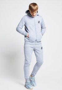 SIKSILK - ILLUSIVE LONDON JUNIORS  - Sweatjakke /Træningstrøjer - grey marl - 1