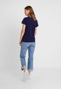 Levi's® - PERFECT V NECK - T-shirt imprimé - sea captain blue - 2