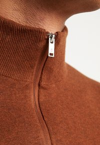 Burton Menswear London - CORE HALF ZIP  - Jersey de punto - natural - 4