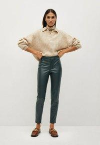 Mango - LONDONPU - Leggings - Trousers - donkergroen - 1