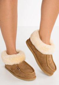 Shepherd - LENA - Slippers - chestnut - 0