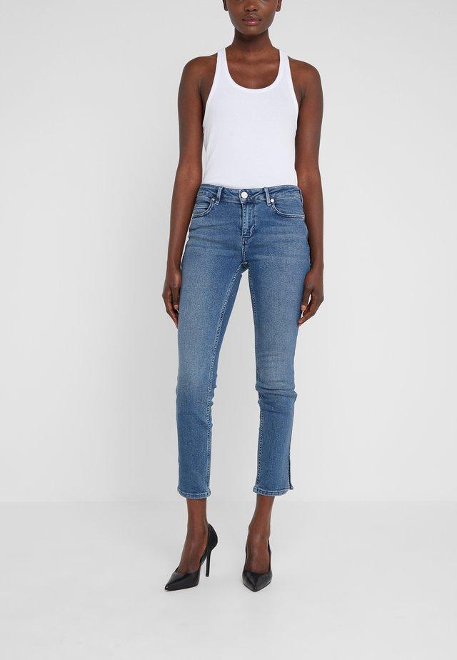 SALLY WATERFRONT - Skinny džíny - light blue