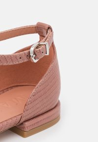 MAX&Co. - MIA - Instappers - powder pink - 3
