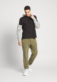 Nike Sportswear - Hoodie - black/dk grey heather/sail/(white) - 1