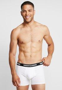 Urban Classics - MEN BOXER 3 PACK - Pants - black/white/grey - 1
