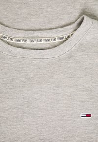 Tommy Jeans - MINI WAFFLE TEE - T-shirt basic - light grey heather - 2