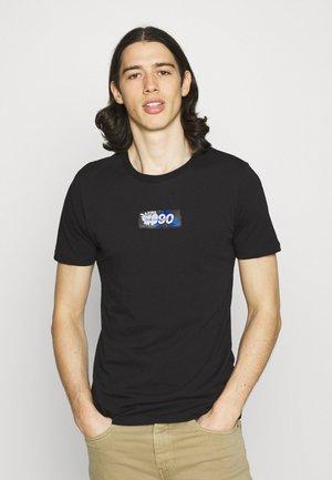 JCOANDY TEE CREWNECK - Print T-shirt - black