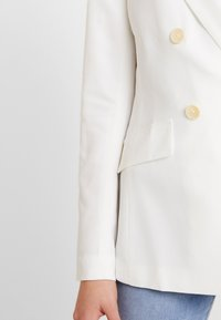 KIOMI - Blazer - off-white - 5
