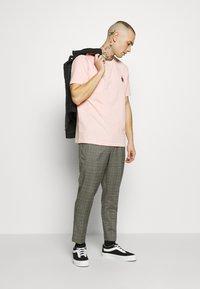 New Look - HAROLD TONAL CHECK PULL ON - Bukser - dark grey - 1