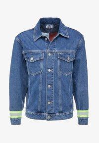 OVERSIZED TRUCKER - Denim jacket - blue denim