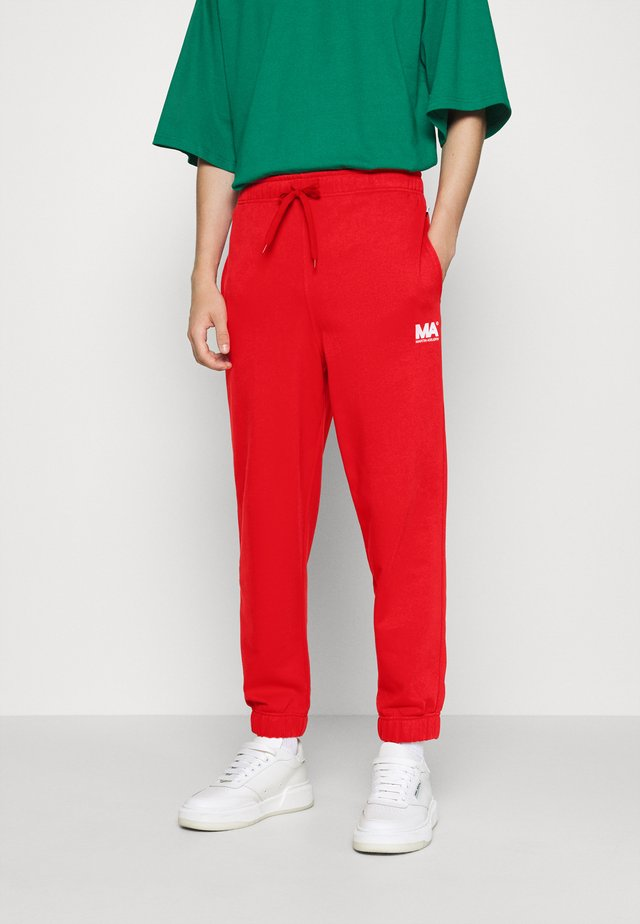 TRACKPANTS FLAME SCARLET - Verryttelyhousut - flame