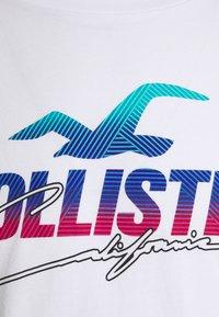 Hollister Co. - T-shirt med print - white - 2