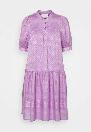 LOLITA - Shirt dress - violette