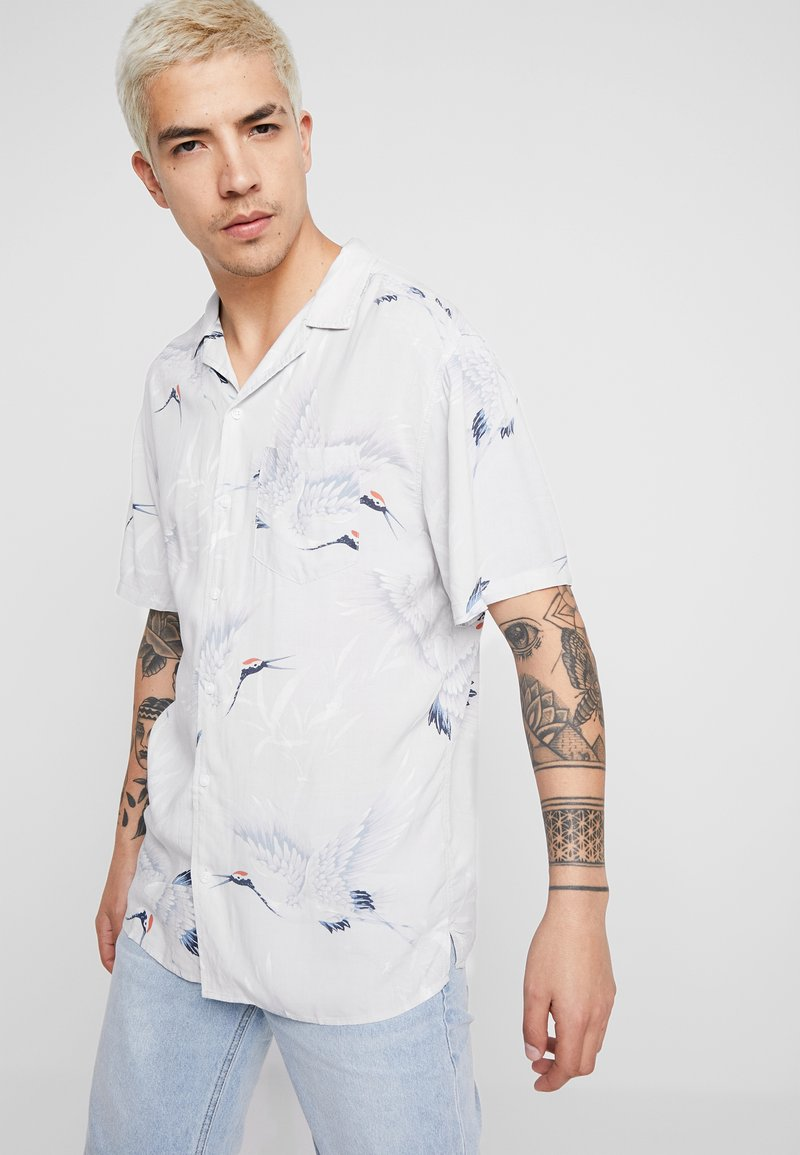 Cotton On - SHORT SLEEVE - Shirt - bamboo crane