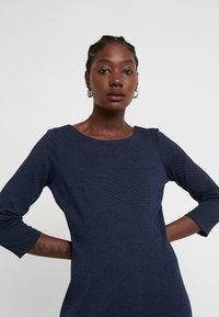 TOM TAILOR - DRESS SHIFT - Sukienka etui - dark blue - 3
