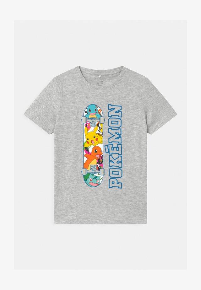NKMPOKEMON  - T-shirt med print - light grey melange