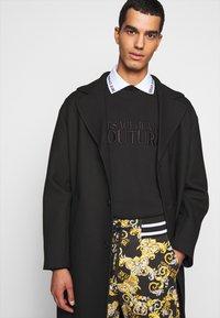 Versace Jeans Couture - FELPA - Sweatshirt - nero - 4