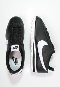 Nike Sportswear - CORTEZ - Sneaker low - black/white - 3