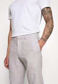 Isaac Dewhirst - PLAIN WEDDING - Oblek - grey - 9