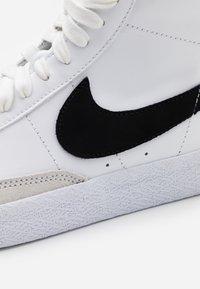 Nike Sportswear - BLAZER MID - High-top trainers - white/black - 3