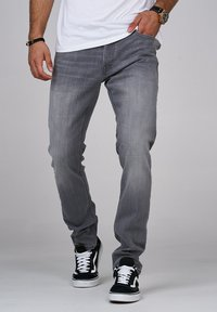 Jack & Jones - CLARK JJARIS  - Straight leg jeans - grey denim - 0