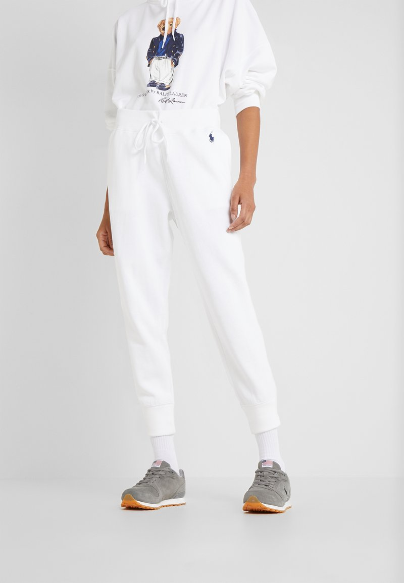 Polo Ralph Lauren - SEASONAL - Spodnie treningowe - white