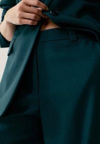 Massimo Dutti - Pantalon classique - green - 4