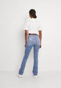 American Eagle - HI RISE SKINNY  KICK - Jeans Skinny Fit - classic vintage destroy - 2