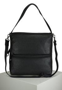 Mandarina Duck - MANDARINA DUCK - Across body bag - black - 2