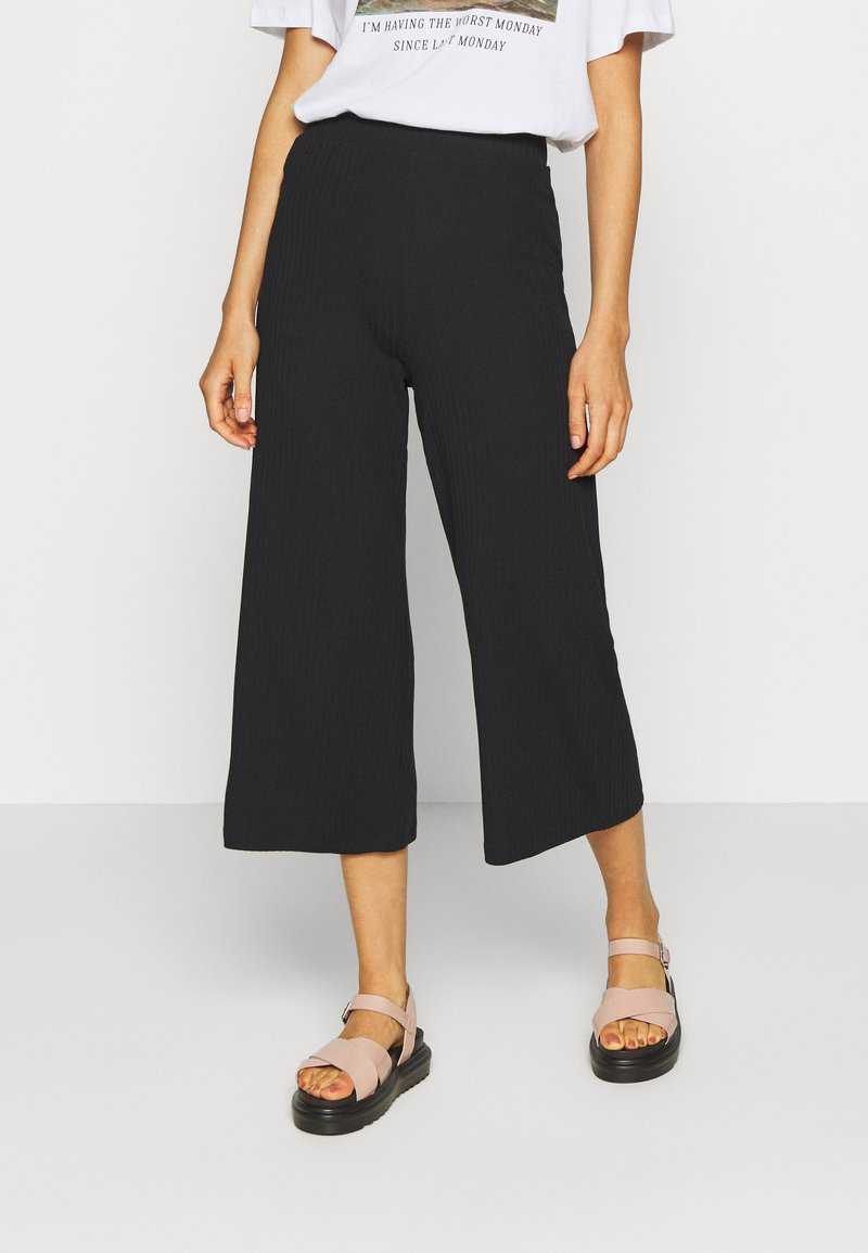 Even&Odd - Wide Cropped Pants - Pantalones - black