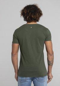 Liger - Basic T-shirt - military green - 2