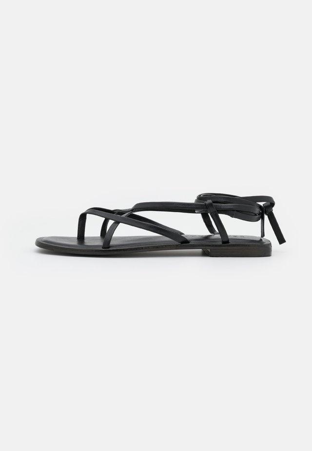 VMSTRAP  - T-bar sandals - black