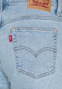 Levi's® - MOM A LINE  - Jeans Short / cowboy shorts - tables turned - 2