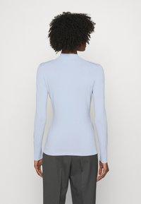 KARL LAGERFELD - LOGO MOCK NECK - Pullover - cashmere blue - 2