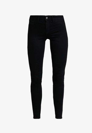 PCSHAPE UP SAGE - Slim fit jeans - black