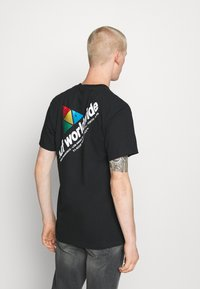 HUF - PEAK SPORTIE TEE - Print T-shirt - black - 2