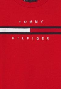 Tommy Hilfiger - FLAG INSERT  - Sweatshirts - deep crimson - 2