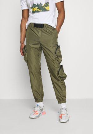 ONSBENTON LIFE POCKET - Tracksuit bottoms - olive night