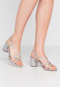 Dorothy Perkins - SILENCESTRAPPY BLOCK - Sandals - silver - 0