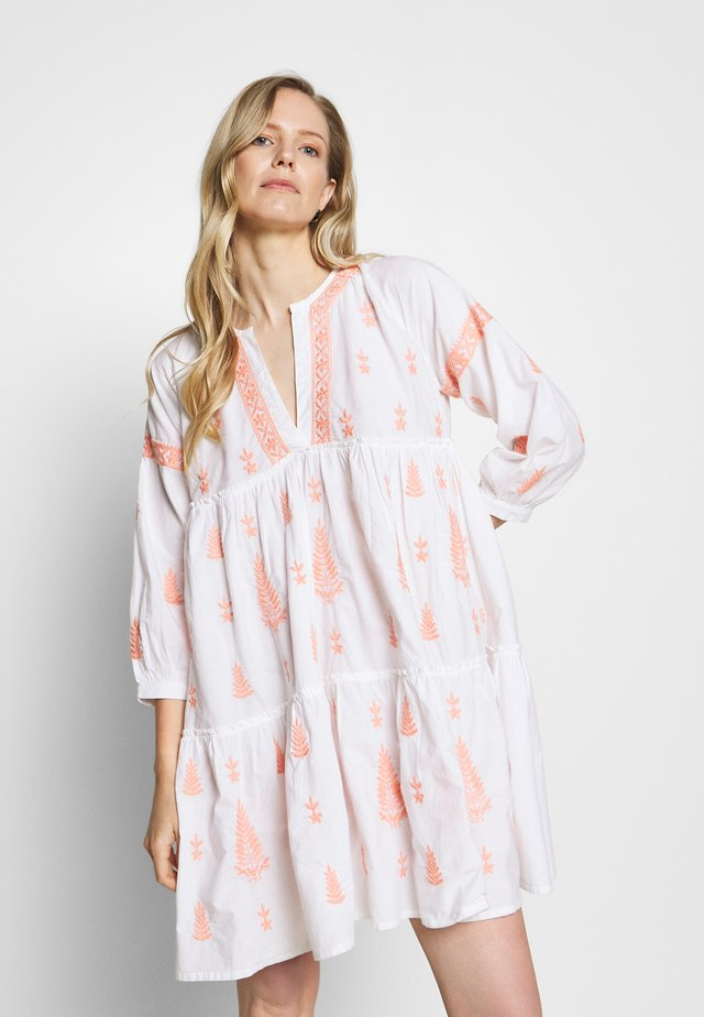 MIMI DRESS - Korte jurk - peach blush