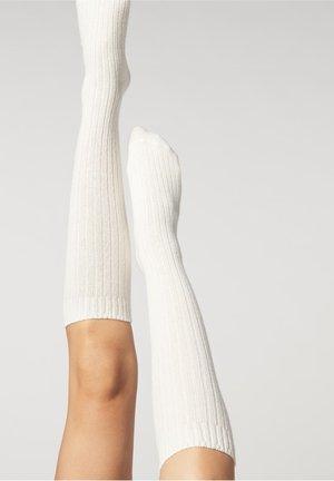 Knee high socks - latte