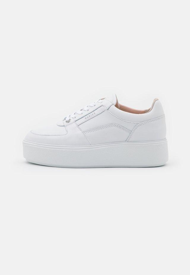ELISE BLOOM - Sneakers - white