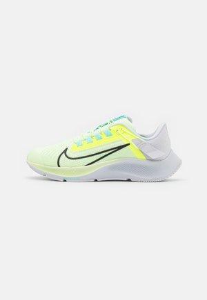 AIR ZOOM PEGASUS FLYEASE - Obuwie do biegania treningowe - barely volt/black/volt/aurora green/iris whisper/photon dust