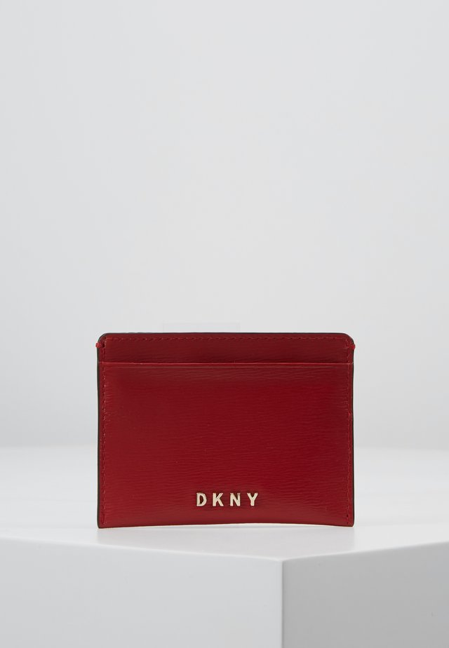 PERLA ENVELOPE FLAP - Plånbok - bright red