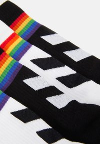 Hummel - LOVE SOCKS 4 PACK UNISEX - Sports socks - multicoloured - 1